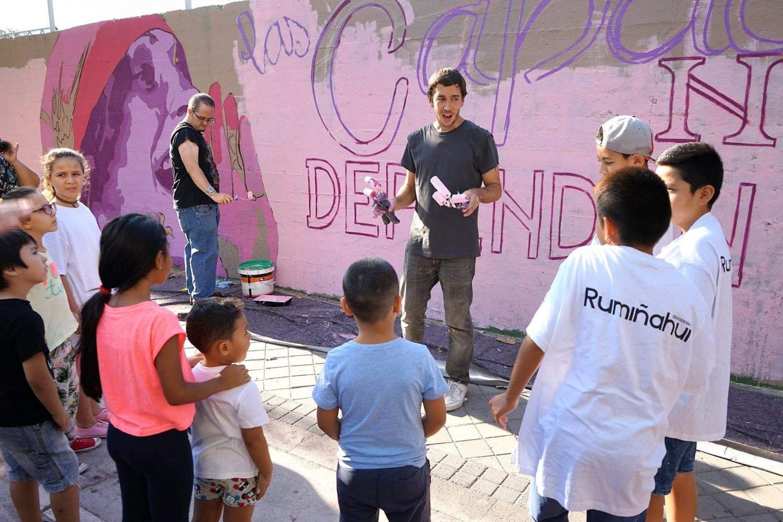 La creación del mural feminista duró dos semanas e involucró a los vecinos de Ciudad Lineal